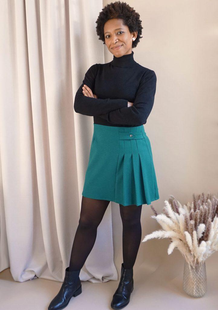 Mini jupe et col roulé